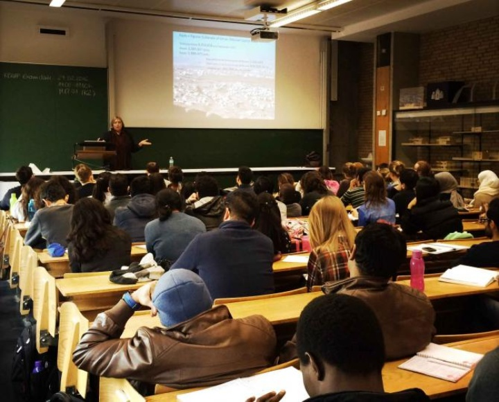 An IUSD Lecture of Winter Term 2015/2016